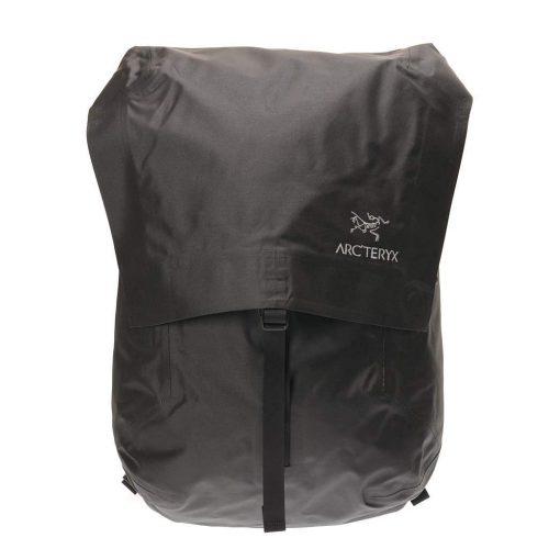 83fffedd2350 防水リュックのおすすめ18選。荷物を守れるタフなモデルをご紹介