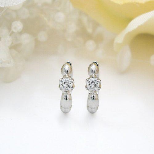 ティファニー(Tiffany & Co.) K18 0.2ct一粒ダイヤモンドフープピアス