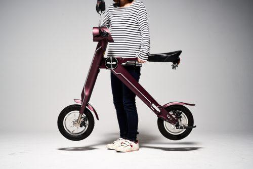 【BLAZE SMART EV】折り畳みも車への積み込みもOK!複雑操作も一切なしの原付電動バイク