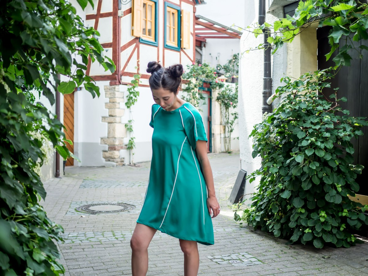In The Folds - Collins Top Dress Hack