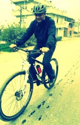 Pratik taking it easy, enjoying the ride.