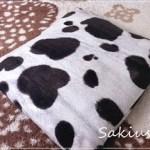 牛柄の座布団