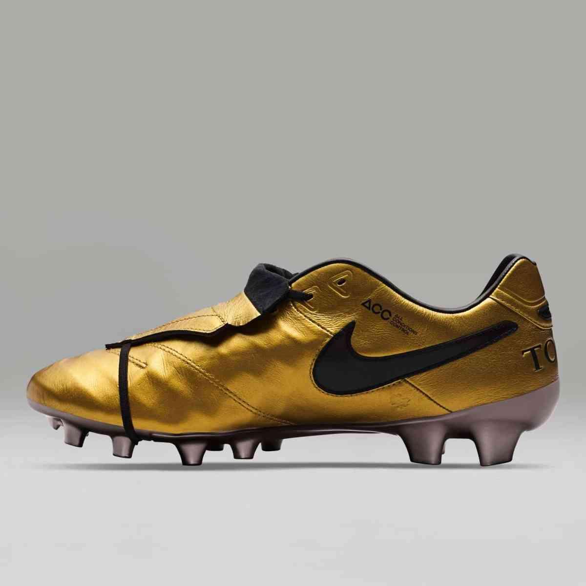 Se den nye Nike Tiempo Legend VI Totti X Roma