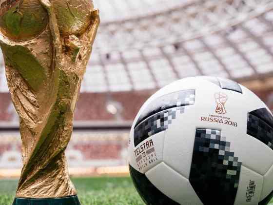 adidas præsenterer VM-bolden Telstar 18 9