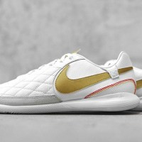 Nike udgiver to nye Ronaldinho signatursko i 10R City Collection