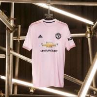 adidas lancerer pink udebanetrøje til Manchester United