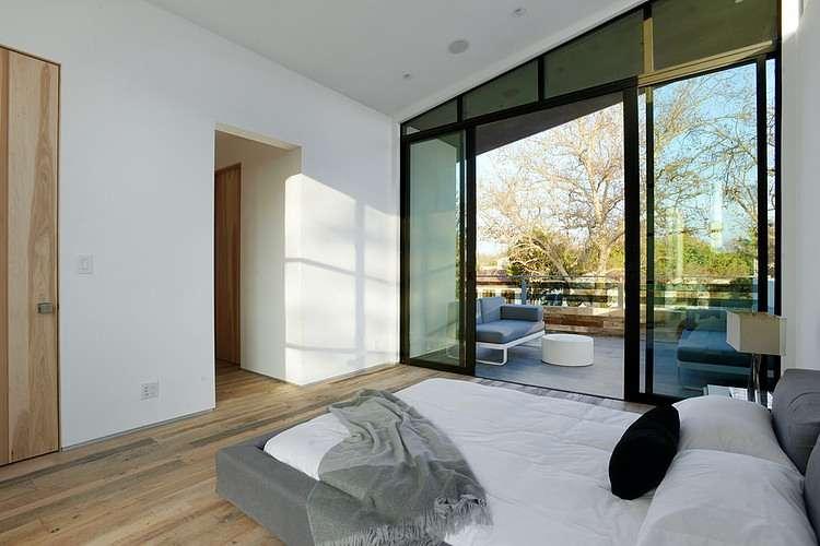 inspirasi kamar tidur dengan teras atau balkon 2
