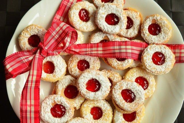 Cookie Christmas Cookies Pastries  - congerdesign / Pixabay