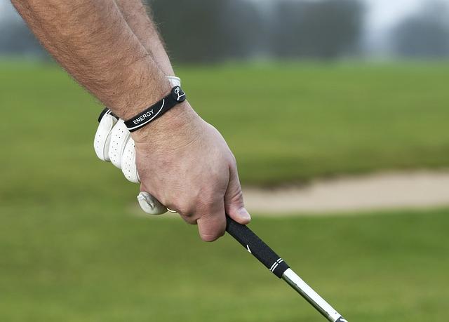Golf Man Golfer Sport Golfing  - u_18g8wob1 / Pixabay