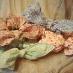 小花柄のアメリカンリボンシュシュ