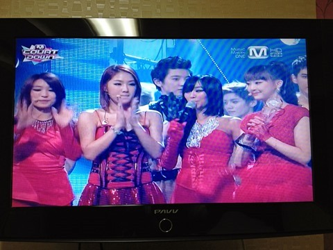 130621sistar-give-it-to-me-mcountdown02