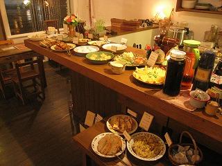 石垣島のカフェ&カレー「トラベラーズカフェ朔」の音楽とスイーツ スイーツバイキング