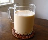 石垣島のカフェ&カレー「トラベラーズカフェ朔」の珍珠キャラメルミルク