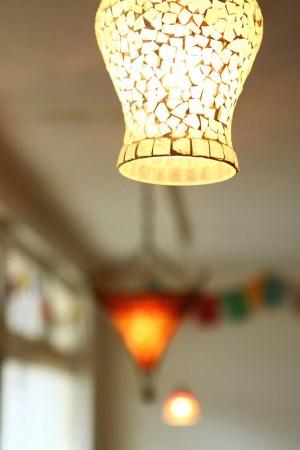 インドのガラスランプ