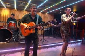 baile-con-orquesta-la-chatta-en-directo-eixample-barcelona