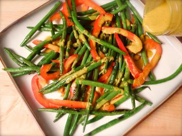 Green beans spicy almond dressing
