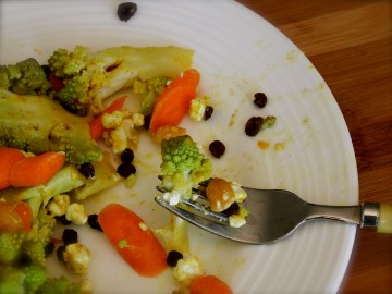 Cauliflower, Carrots & Currants With Goat Cheese & Curry Vinaigrette