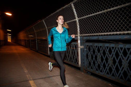 Night Running? 5 Safety Measures Every Woman Must Take