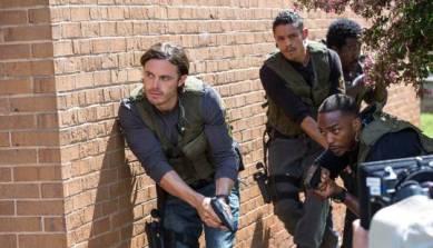 triple-9-intense-action-raid-scene