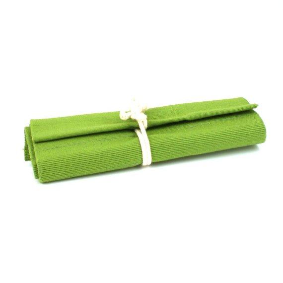 Crayon roll green