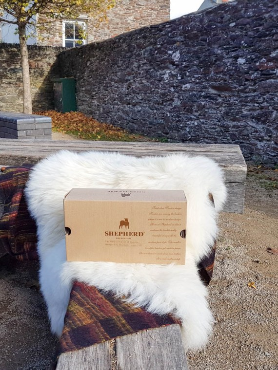 shepherd slippers box