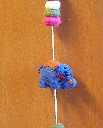 Felt 3 Elephants String
