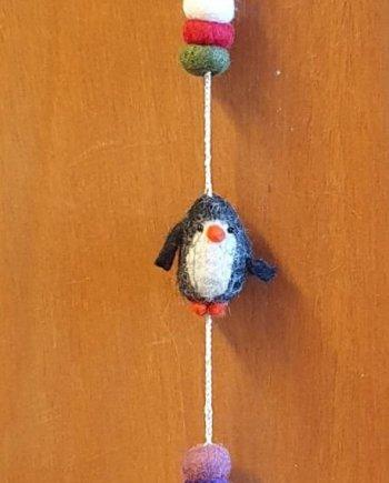 Felt 3 Penguins String