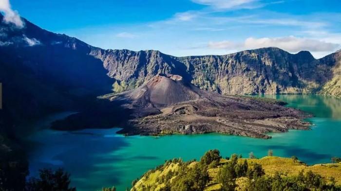 15 Nama Gunung Tertinggi Di Indonesia Beserta Ketinggian Dan Letaknya Salamadian