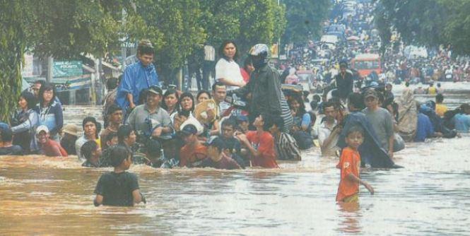 contoh berita banjir