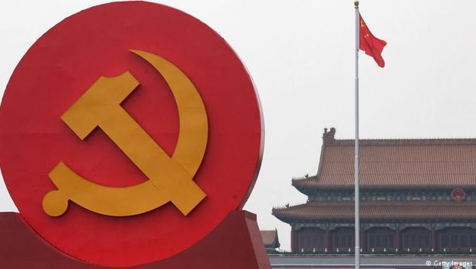 pengertian komunis