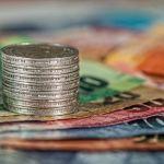 PENGERTIAN UANG : Sejarah, Fungsi, Syarat & Jenis Jenis Uang