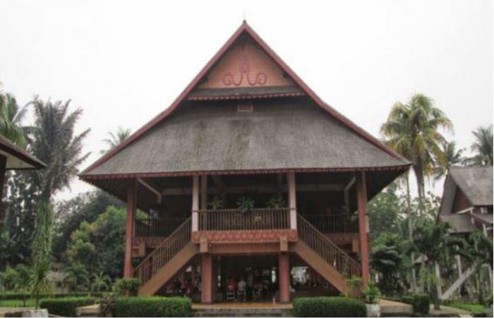 Rumah Adat Indonesia Gambar Penjelasan Rumah Tradisional 34 Provinsi Salamadian