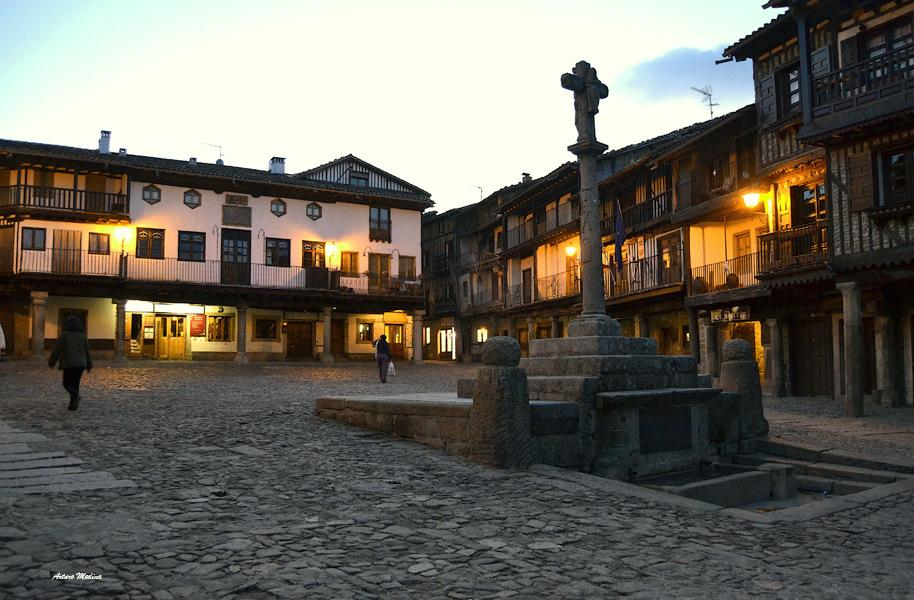 ll-plaza-de-la-alberca-para-alfredo-yaez-a23867012