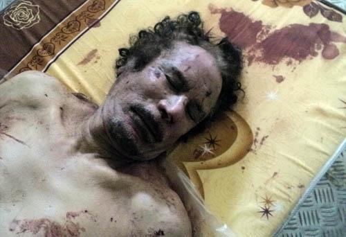 چهار روز جسد قذافی در معرض نمایش عموم قرار داشت
