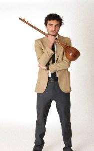 محمود شریکر نوازنده سه تار الکترونیک