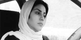 فیلم  «ده» ـ این فیلم تماما از داخل یک اتومبیل در حال عبور  از خیابانهای تهران گرفته شده است و ضمن گفتگوی میان راننده و مسافرانی که پیوسته جای خود را به دیگری می دهند زندگی در تهران معاصر را به نمایش می گذارد.