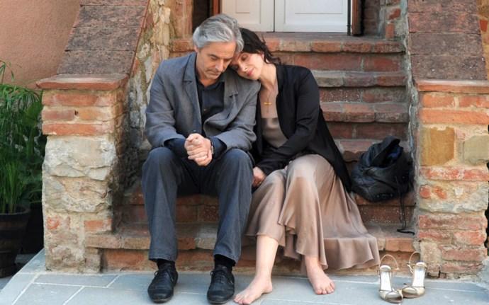 ژولیت بینوش، بازیگر فرانسوی در اینستاگرم خود نوشت:  «بشدت دلتنگتیم.» بینوش در فیلم کپی برابر اصل ساخته کیارستمی بازی کرد و برای این نقشآفرینی جایزه بهترین بازیگر زن را از جشنواره فیلم کن گرفت.