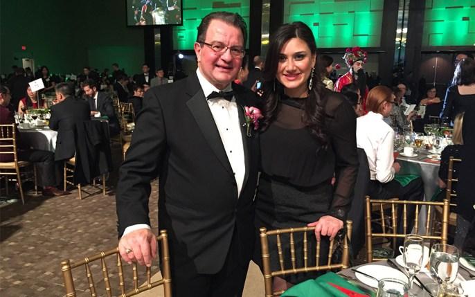 ویتو اسپاتافورا معاون شهردار ریچموندهیل، عضو شورای شهر منطقه یورک و شهرداری ریچموندهیل و امیلی هودی دستیار اجرایی او در مراسم Dragon Ball Gala