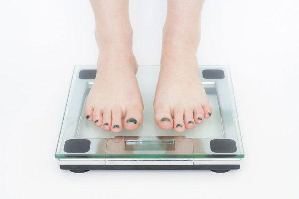 شیوع مشکلات پا و اندامهای تحتانی در افراد چاق یا دارای اضافه وزن از سایر مردم بیشتر است.