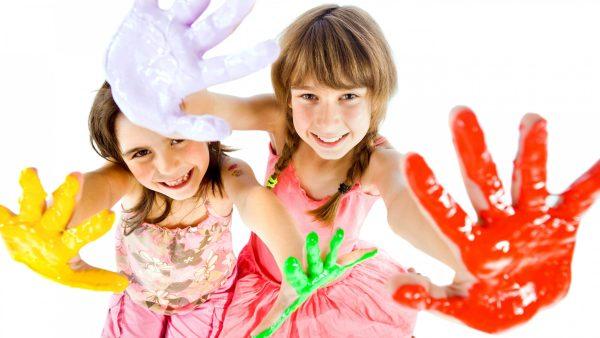 children_artists_paint_palm_hand_white_background_80191_3840x2160