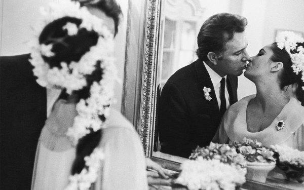 الیزابت تیلور و ریچارد برتون در 15 مارچ 1964 در شهر مونتریال با هم ازدواج کردند