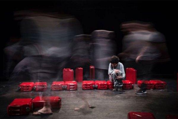 نمایشنامه بر محور 8 کاراکتر ایرانی می چرخد