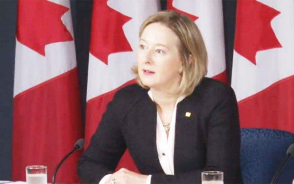 کارولین ویلکینز معاون بانک مرکزی کانادا: «باید برای آموزش و افزایش مهارت های کارگران آماده شد  تا بتوانند خود را با نیازهای جدید تطبیق دهند و این سخت است.»