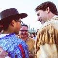 آقای ترودو گفت تاریخ، هنر، سنن و فرهنگهای بومیان کانادا گذشته کانادا را شکل داده و کماکان شکل خواهد داد.