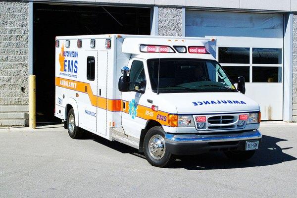سیستم فوریت های پزشکی انتاریو 24 ساعته فعالیت کرده و هر سال به بیش از 13.7 میلیون ساکنان انتاریو در بیش از 400 حوزه شهری و کامیونیتی های بومیان سرویس می دهند.