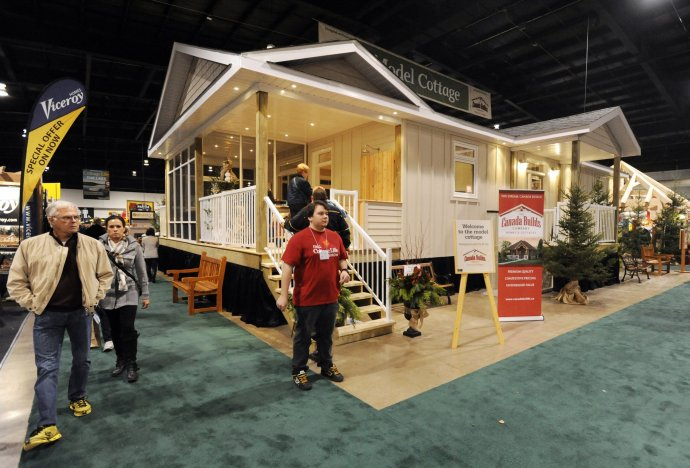 The model cottage of the Fall Cottage Life Show is a central attraction of the show this week-end (Nov. 1-3) at International Centre.