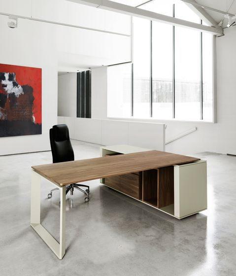 Corner Desk Dubai
