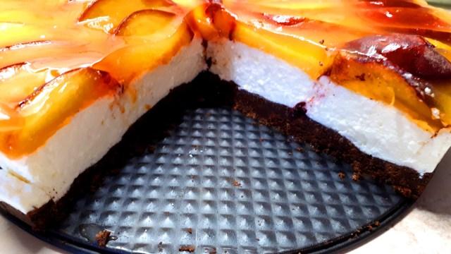 Diétás barackos túrótorta sütés nélkül