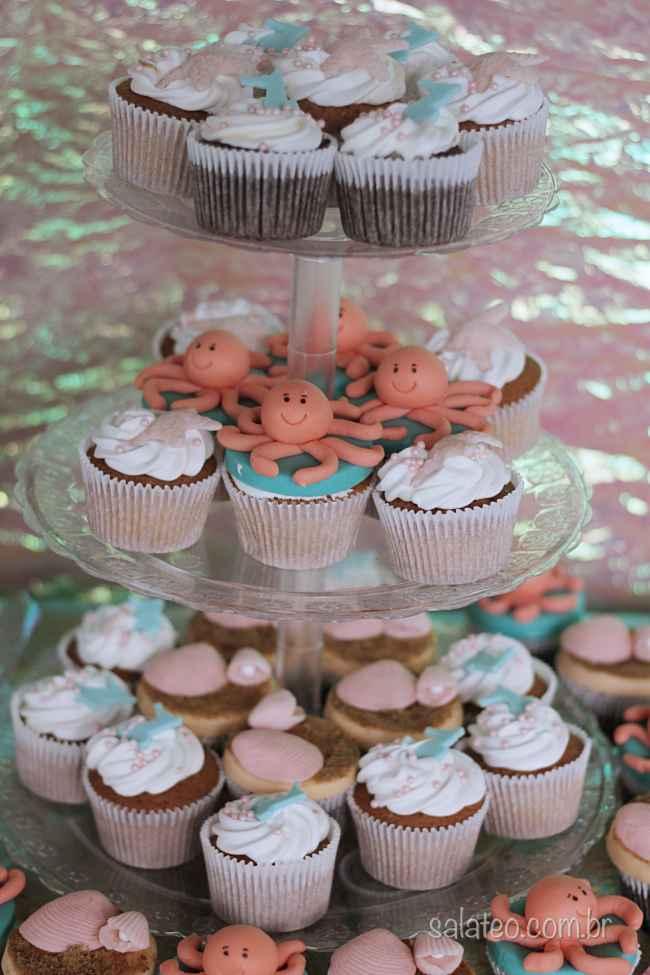 festa-fundo-mar-cupcakes-decorados-salateando-2