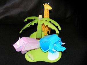 Papercraft imprimible y armable de un pequeño zoológico infantil. Manualidades a Raudales.